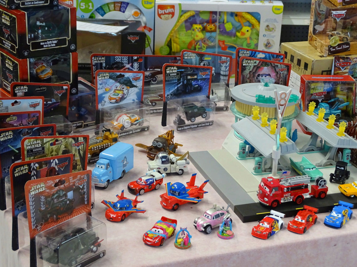 Exposition Cars Toys R Us - Page 2 Ph2211
