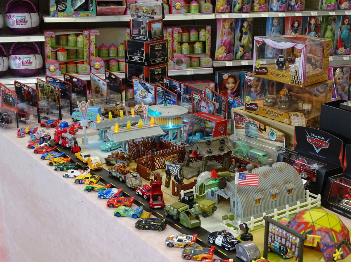 Exposition Cars Toys R Us - Page 2 Ph3410