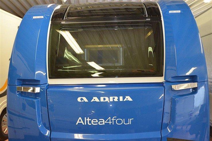 Escape trailer:  toute en fibre de verre Altea411