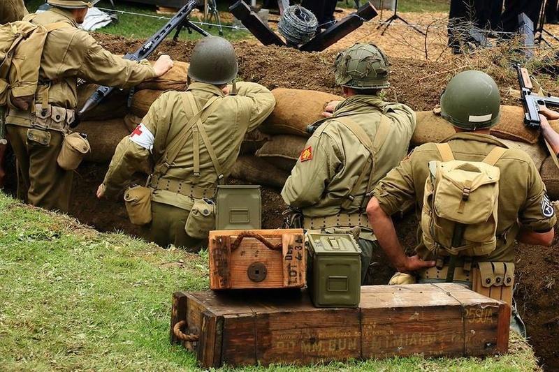 «  Reconstitution d'un campement militaire 39/45 » 17899411