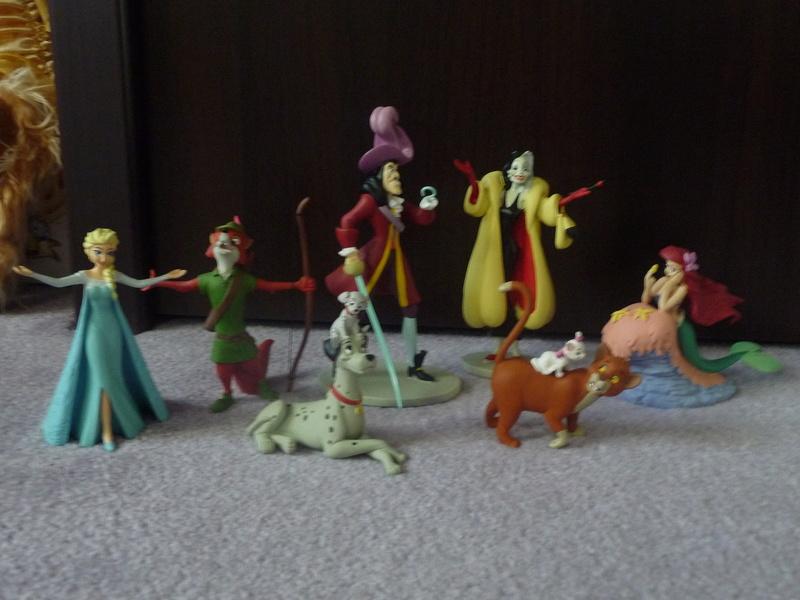 [Vente] Les petites ventes d'Anacoluthe - poupée Animator's, peluches, pin's, figurines P1290518