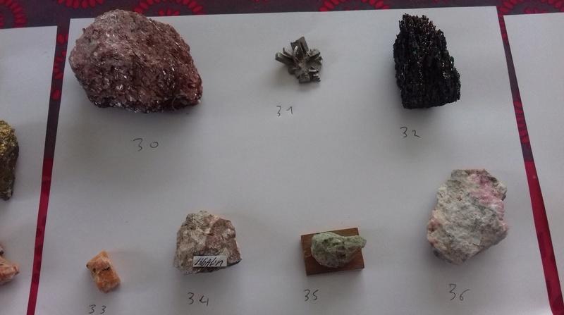 Besoin d'aide identifications de ma collection de minéraux 410