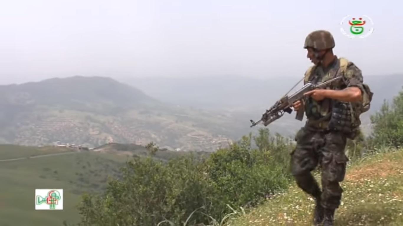 موسوعة الصور الرائعة للقوات الخاصة الجزائرية - صفحة 64 Uyiuy11