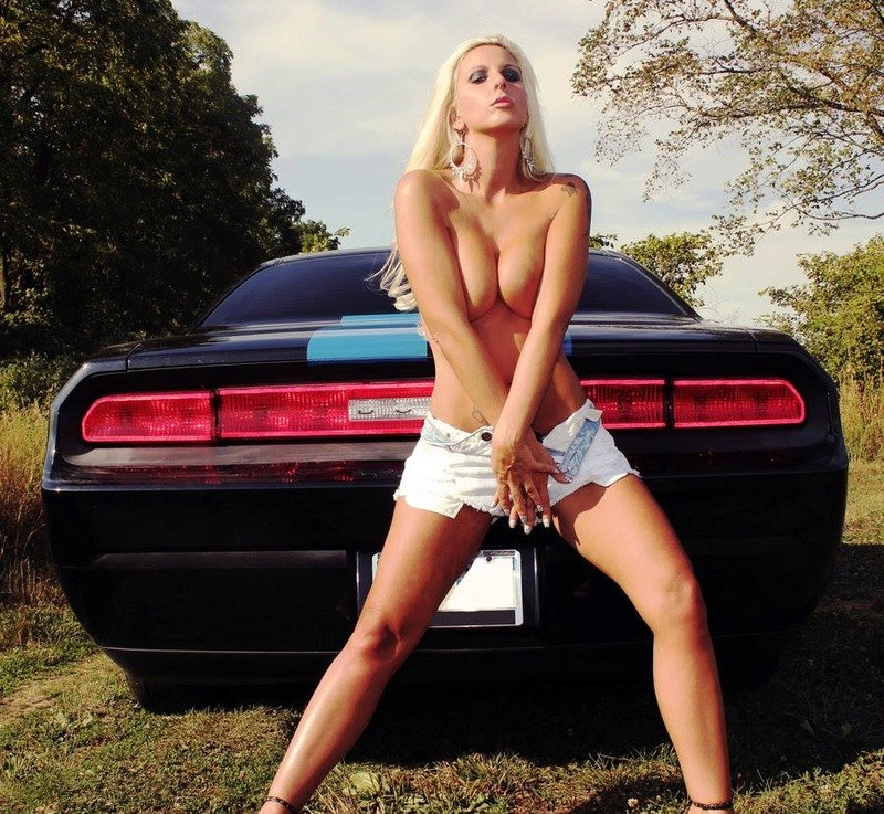 More Mopar babes - Page 37 Jan4_110