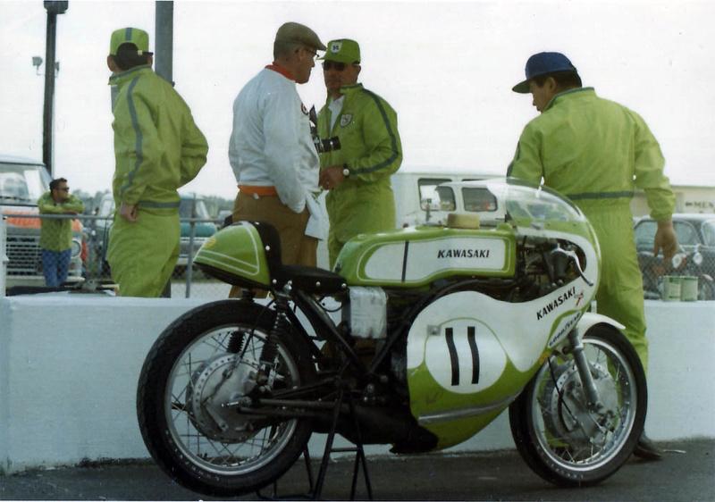 """[Oldies] Kawasaki 500 H1R , de 1970, """"sortie de grange"""" en 2016 - Page 3 Dave-s10"""