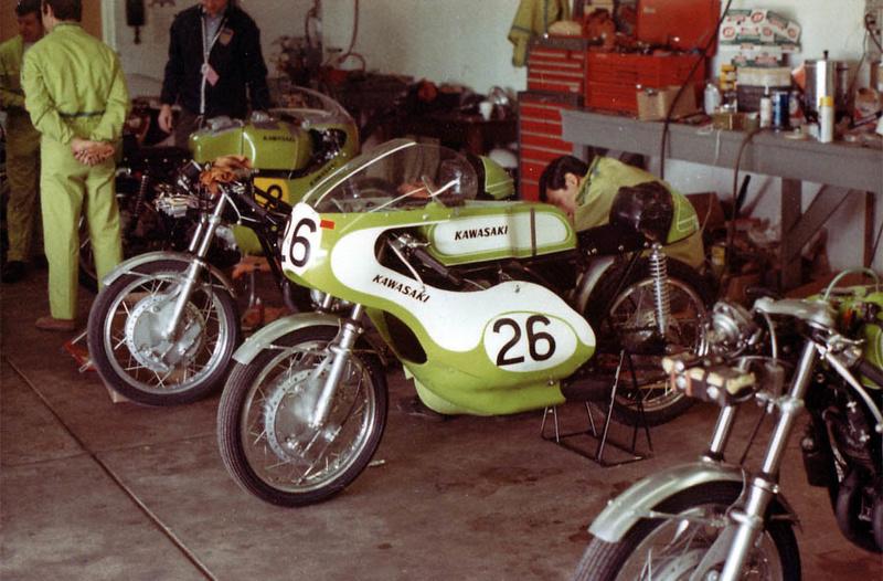 """[Oldies] Kawasaki 500 H1R , de 1970, """"sortie de grange"""" en 2016 - Page 3 Kawgar10"""