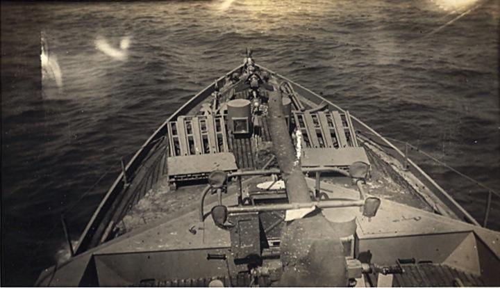 Chasseur de sous-marins CH123 au 1/50 selon plans AAMM - Page 2 Brise-10