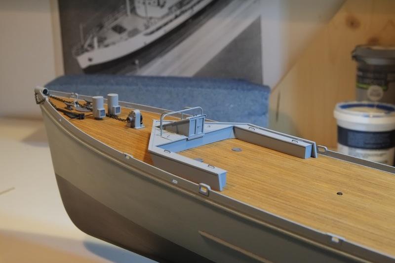 Chasseur de sous-marins CH123 au 1/50 selon plans AAMM - Page 2 Dscf4221