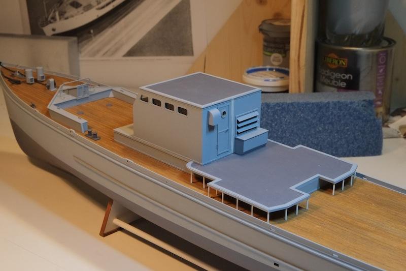 Chasseur de sous-marins CH123 au 1/50 selon plans AAMM - Page 3 Dscf4240