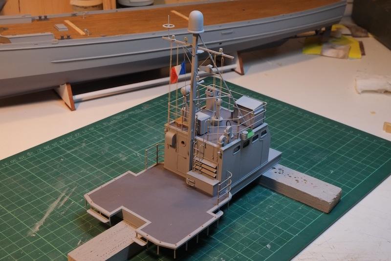 Chasseur de sous-marins CH123 au 1/50 selon plans AAMM - Page 5 Dscf4265