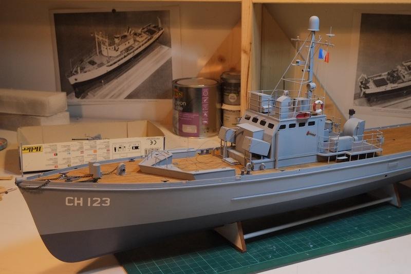 Chasseur de sous-marins CH123 au 1/50 selon plans AAMM - Page 5 Dscf4266