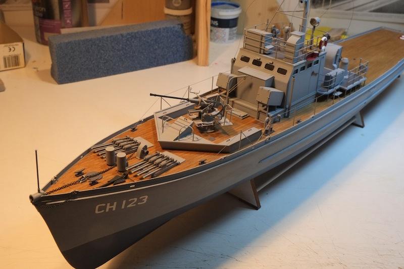 Chasseur de sous-marins CH123 au 1/50 selon plans AAMM - Page 7 Dscf4311