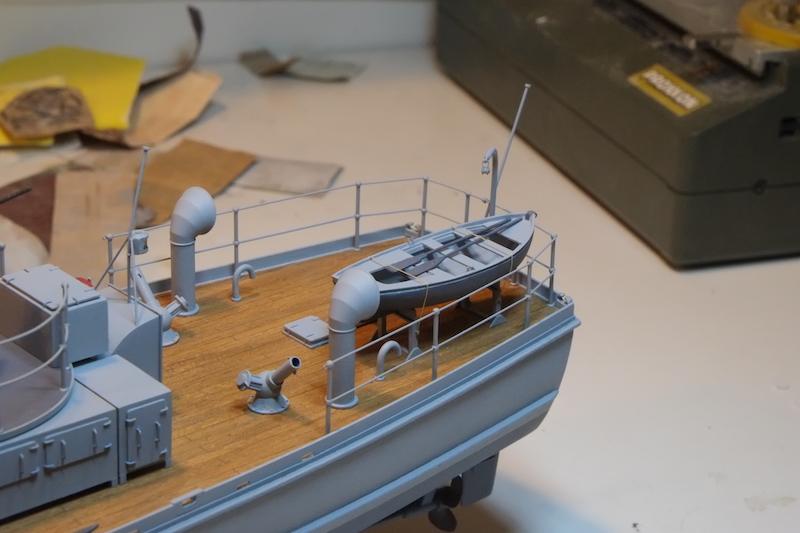 Chasseur de sous-marins CH123 au 1/50 selon plans AAMM - Page 8 Dscf4321
