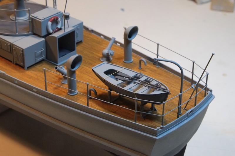 Chasseur de sous-marins CH123 au 1/50 selon plans AAMM - Page 8 Dscf4322
