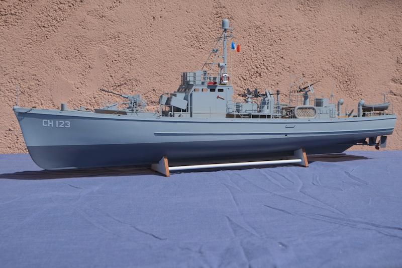 Chasseur de sous-marins CH123 au 1/50 selon plans AAMM - Page 8 Dscf4323