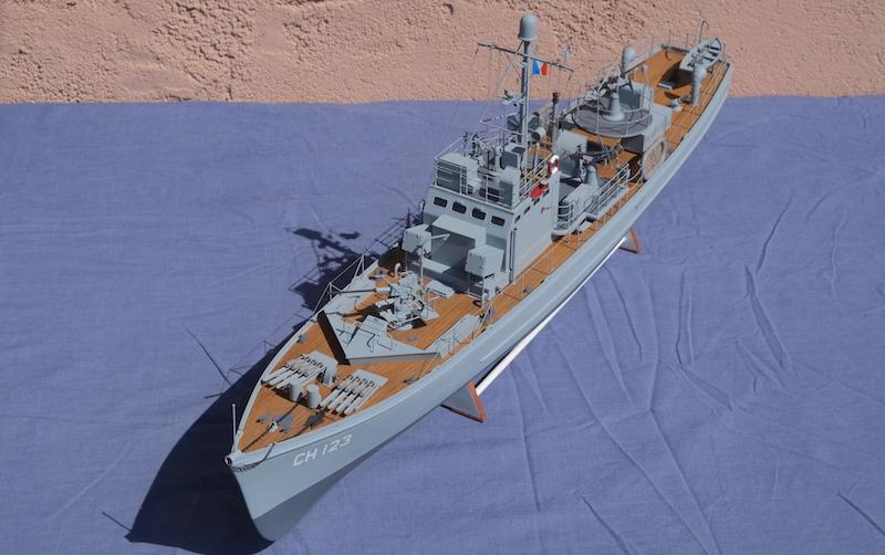 Chasseur de sous-marins CH123 au 1/50 selon plans AAMM - Page 8 Dscf4325