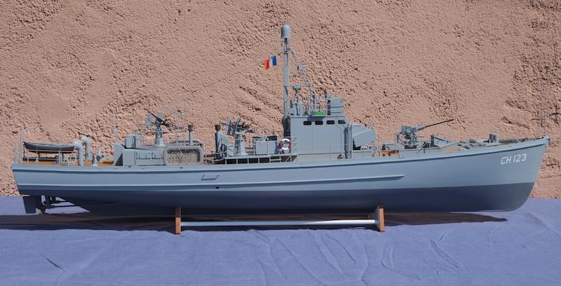 Chasseur de sous-marins CH123 au 1/50 selon plans AAMM - Page 8 Dscf4327