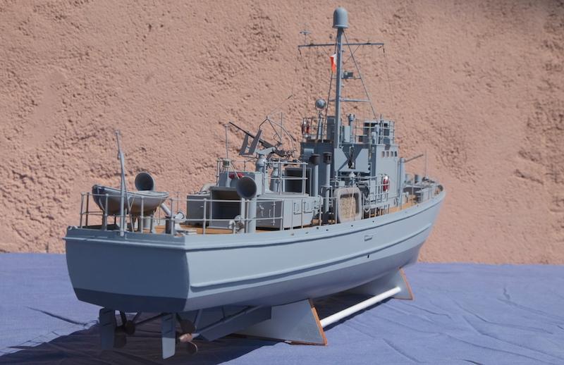 Chasseur de sous-marins CH123 au 1/50 selon plans AAMM - Page 8 Dscf4328