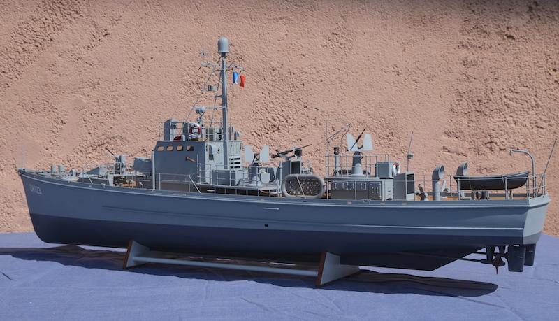 Chasseur de sous-marins CH123 au 1/50 selon plans AAMM - Page 8 Dscf4330