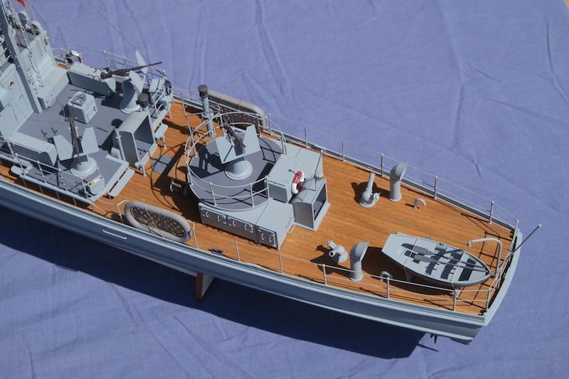 Chasseur de sous-marins CH123 au 1/50 selon plans AAMM - Page 8 Dscf4331