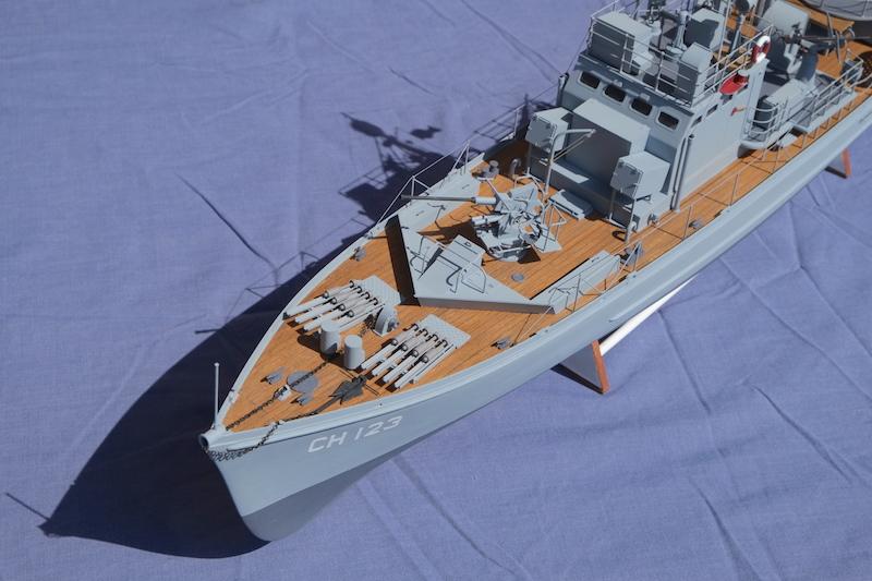Chasseur de sous-marins CH123 au 1/50 selon plans AAMM - Page 8 Dscf4333