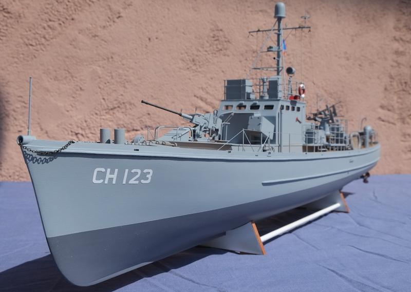 Chasseur de sous-marins CH123 au 1/50 selon plans AAMM - Page 8 Dscf4334