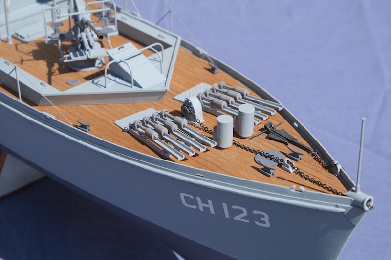 Chasseur de sous-marins CH123 au 1/50 selon plans AAMM - Page 8 Dscf4340