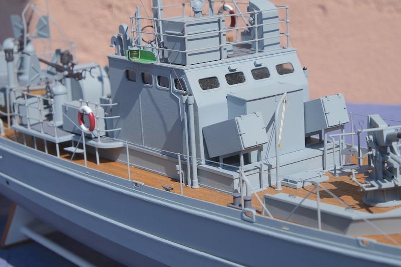 Chasseur de sous-marins CH123 au 1/50 selon plans AAMM - Page 8 Dscf4341