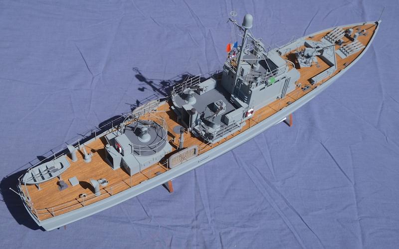 Chasseur de sous-marins CH123 au 1/50 selon plans AAMM - Page 8 Dscf4342