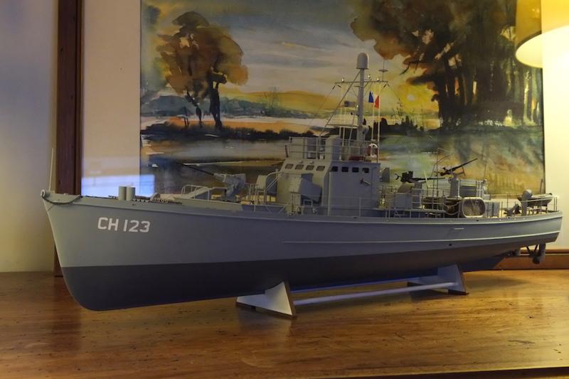 Chasseur de sous-marins CH123 au 1/50 selon plans AAMM - Page 8 Dscf4344