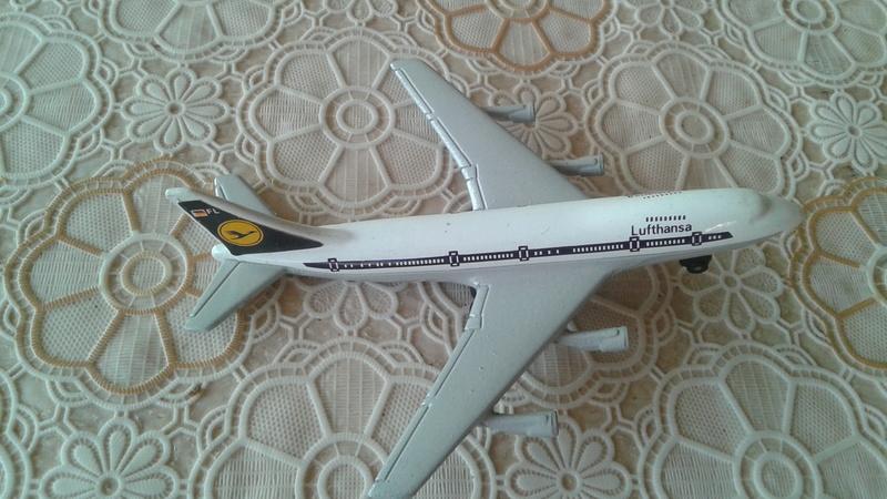 Lotto stock aeroplani anni 70 20171019
