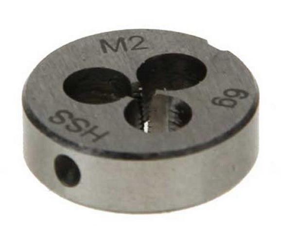 filet cassé dans une filière M2 Fil110