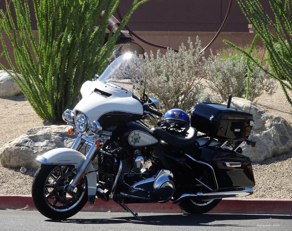 California Highway Patrol Harley 1/6 Img_5244