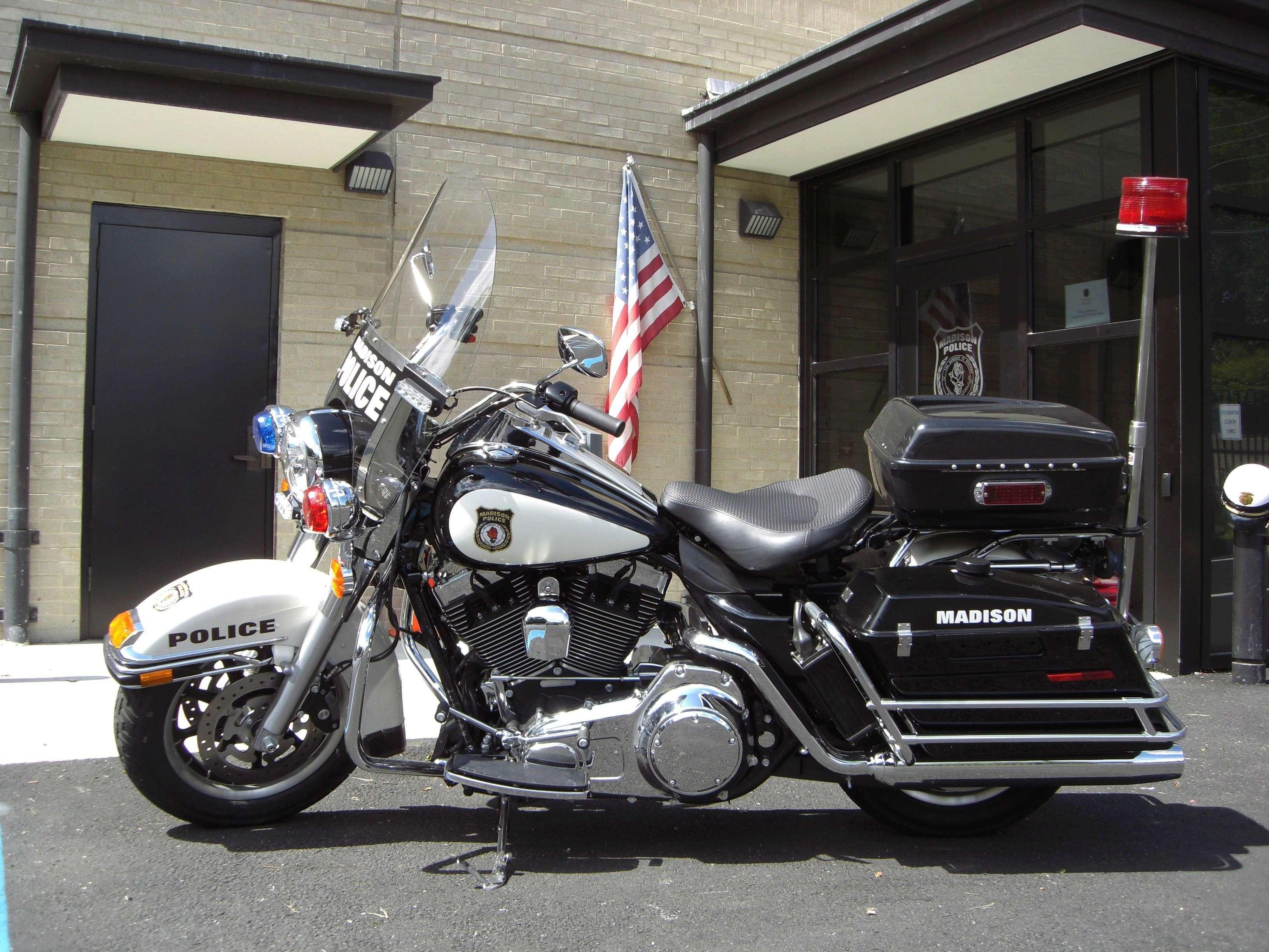 California Highway Patrol Harley 1/6 Img_5246