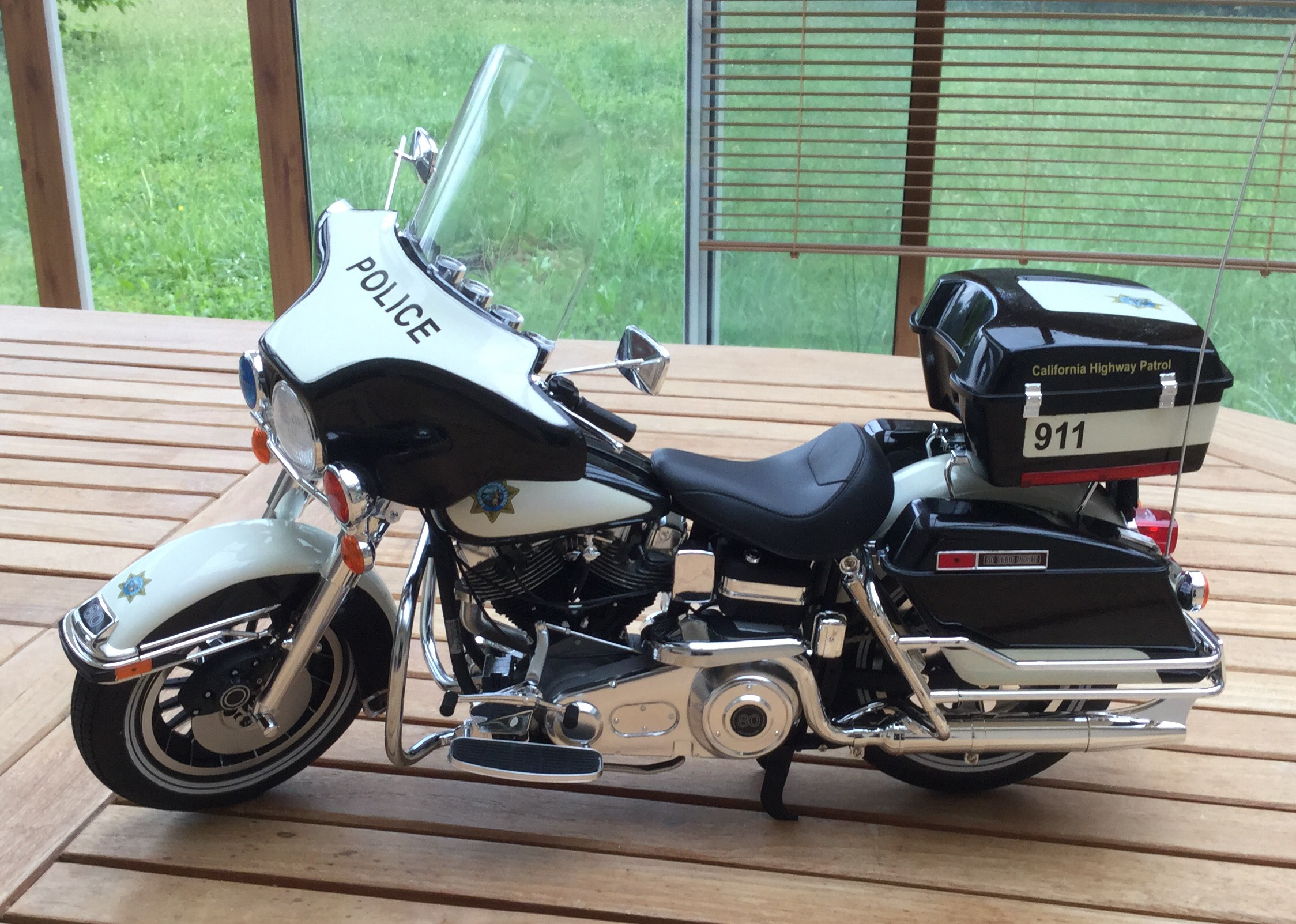 California Highway Patrol Harley 1/6 Img_5328