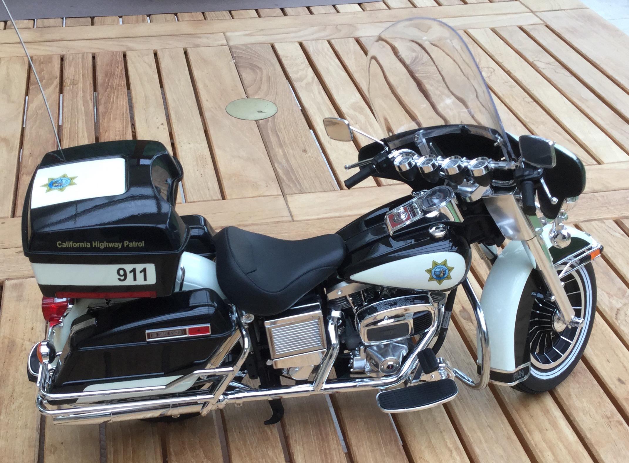 California Highway Patrol Harley 1/6 Img_5333