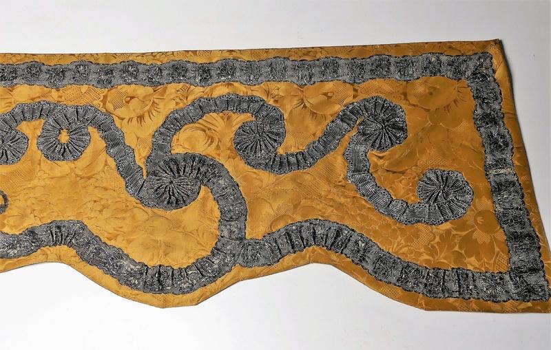 Lits historiques du XVe au XVIIIe s. usages, formes & décors Bett_210