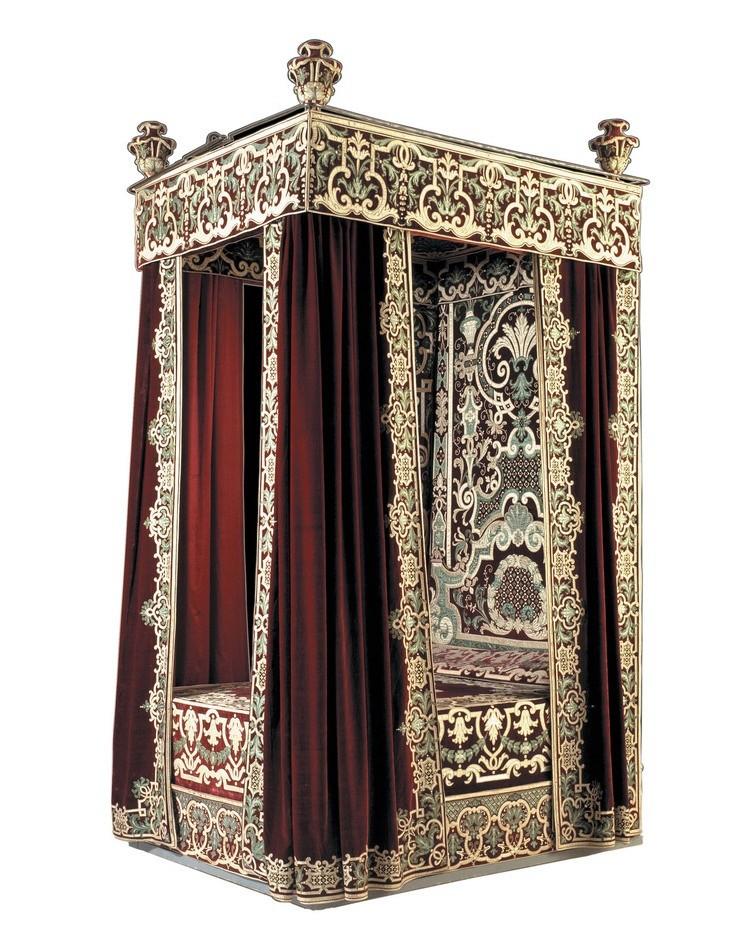 Lits historiques du XVe au XVIIIe s. usages, formes & décors E93aae10