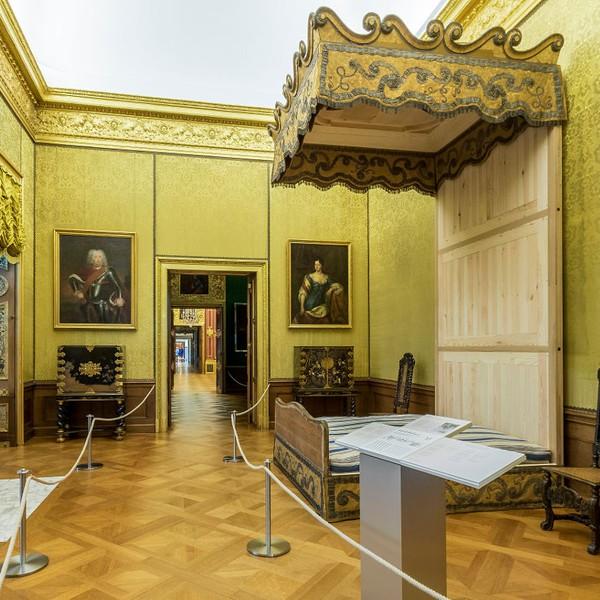 Lits historiques du XVe au XVIIIe s. usages, formes & décors Museum10