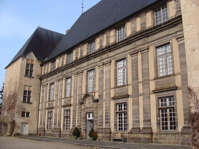 Lits historiques du XVe au XVIIIe s. usages, formes & décors Office10