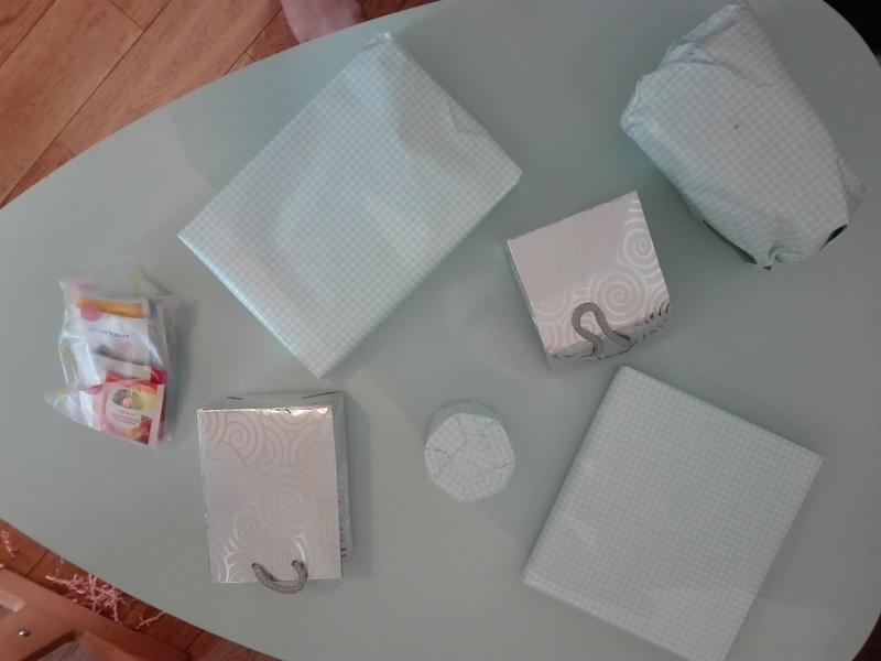 [Partenariat] La ronde des sacs à cadeaux (SUITE) - Page 6 Img_2011