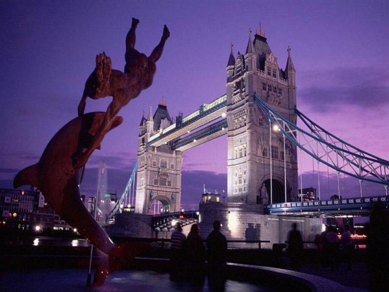 Promenade nocturne - identifiez le monument, la ville et le pays X_02_a10