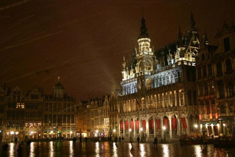 Promenade nocturne - identifiez le monument, la ville et le pays X_12_b11