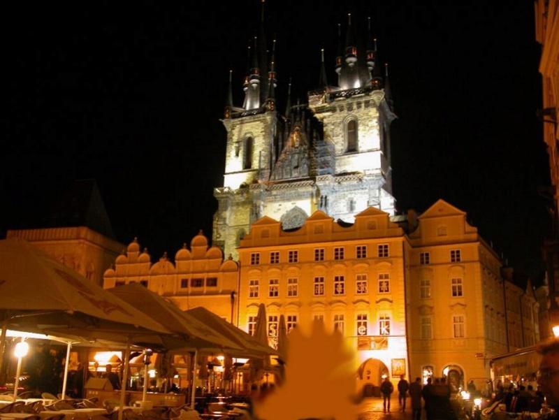 Promenade nocturne - identifiez le monument, la ville et le pays X_14_t10