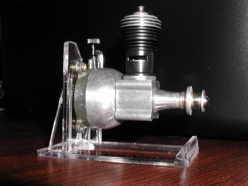 Finally, a Cox three piece piston........... Cox_3_12