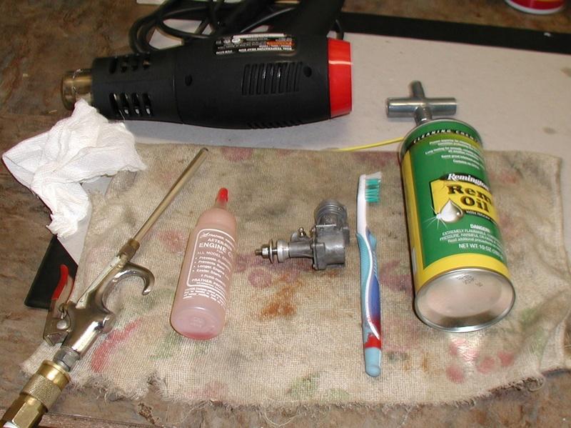 Quick clean of a damaged vintage Enya .09 Enya_013