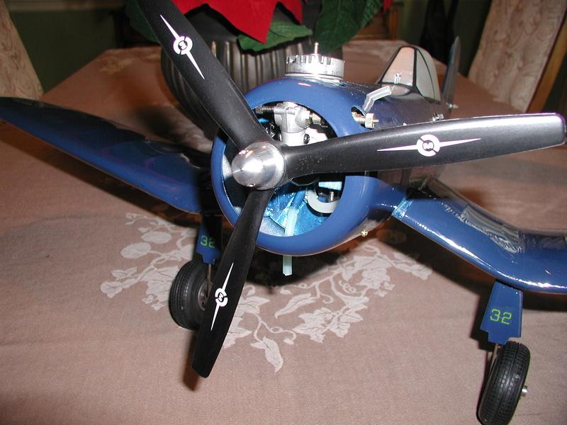 Three or Two Blade Propeller F4u_0011