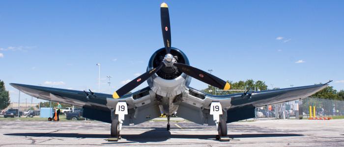 Three or Two Blade Propeller F4u_3_10