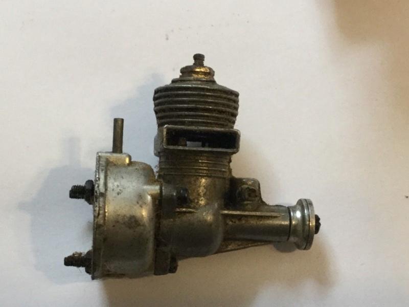 Interesting vintage engine. Fury Twin Stack  Fury_e12
