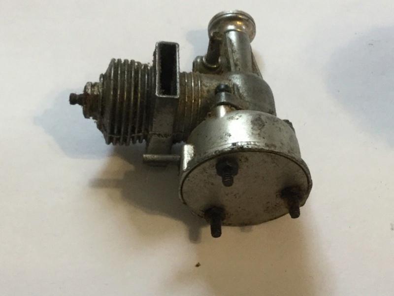 Interesting vintage engine. Fury Twin Stack  Fury_e13